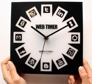 social-media-clock-design