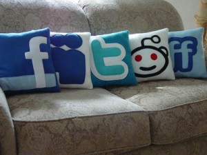 socialemedia pillows
