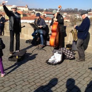 muzica podul charles
