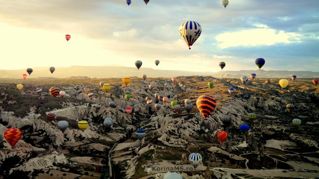Cappadocia balloons landscape